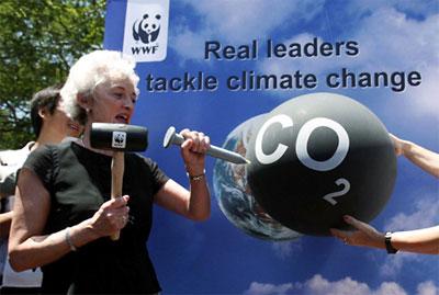 Жаклин Крамер атакува глобалното затопляне.